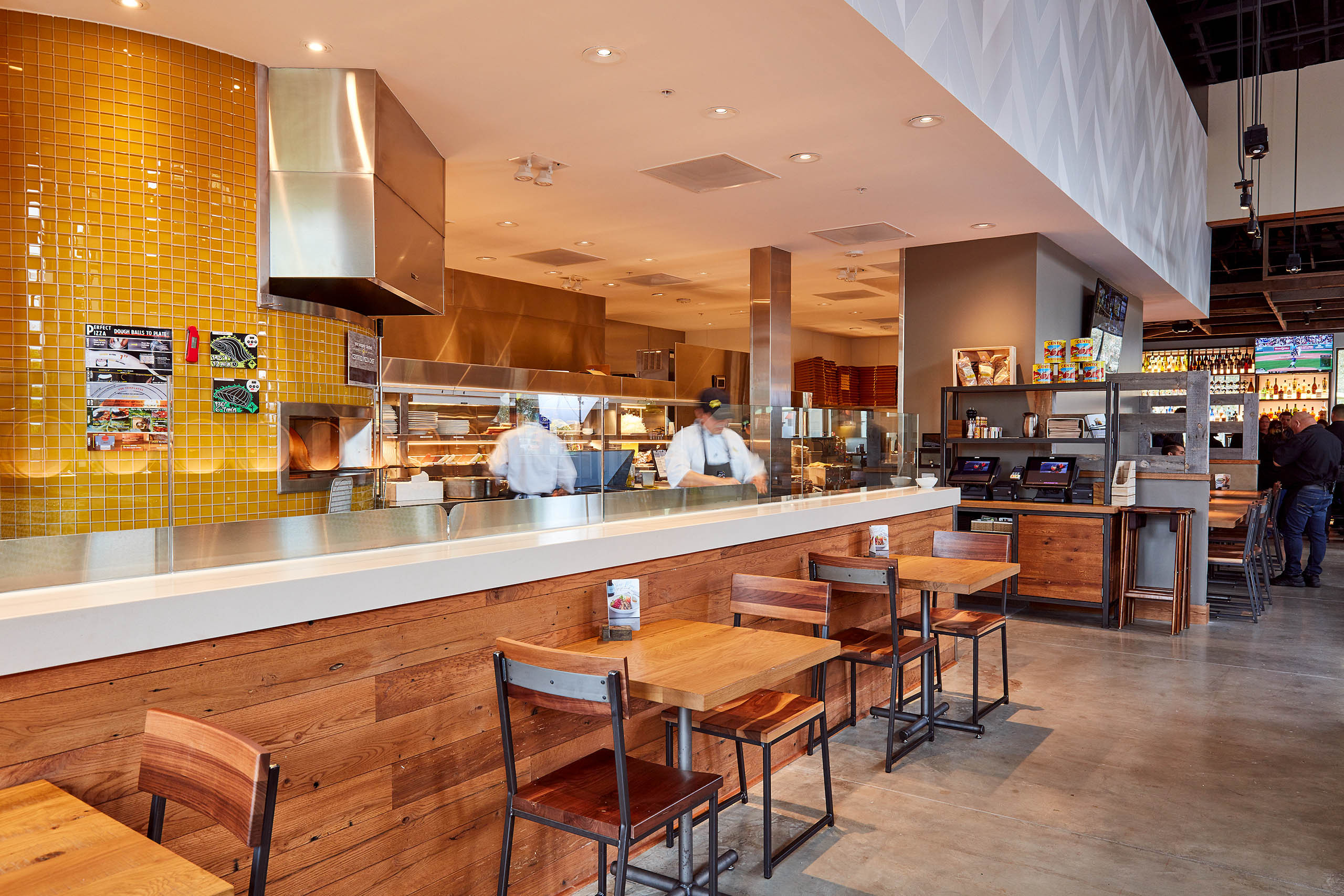 California Pizza Kitchen::Architectural Photographers   Russell ...