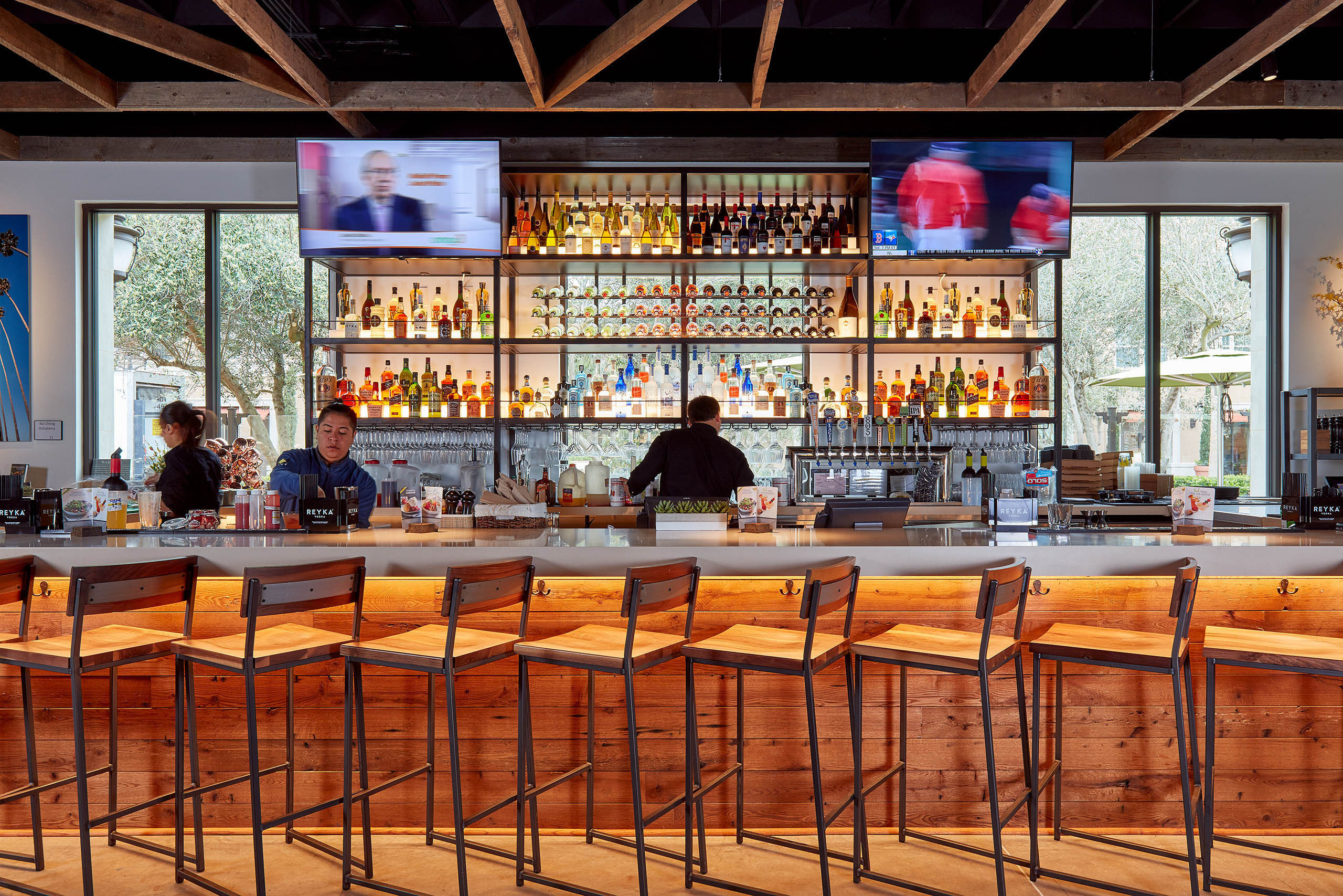 California Pizza Kitchen::Architectural Photographers | Russell ...
